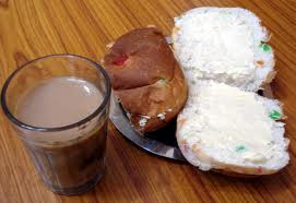 The bun maska and chai served at Gudluck Cafe, Pune